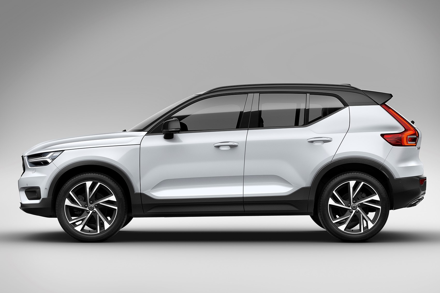 Volvo XC40 2018 | Price | Hybrid | Interior | Mileage | Dimensions